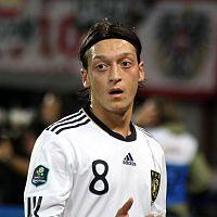 Mesut Özil, Stig Björne Sport