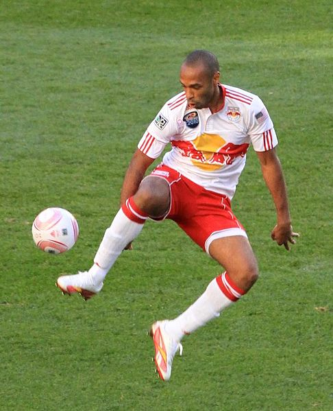 486px-Thierry_Henry_control_cropped
